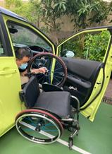 圖2a, 輪椅上車1